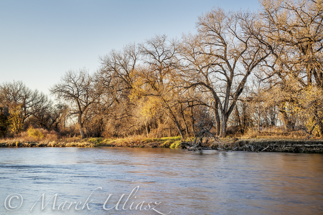 South Platte River in eastern Colorado between Greeley and Fort Morgan, a typical fall or winter scenery