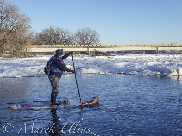 winter SUP paddling on South Platte River